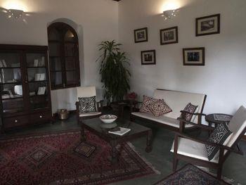 HILIKI HOUSE 3*